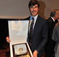 A.J.BM. recoge de manos de D. Miguel Cardenal la Real Orden al Mérito Deportivo (Placa de Plata)