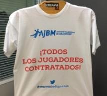 Enviando a los asociados la camiseta A.J.BM. referente a la negociación del IV Convenio Colectivo del Balonmano.