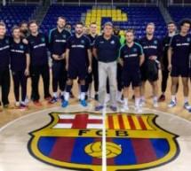 """Visita a Clubes: A.J.BM. se reúne en el """"Palau Blaugrana"""" con los profesionales del F.C. Barcelona-Lassa."""